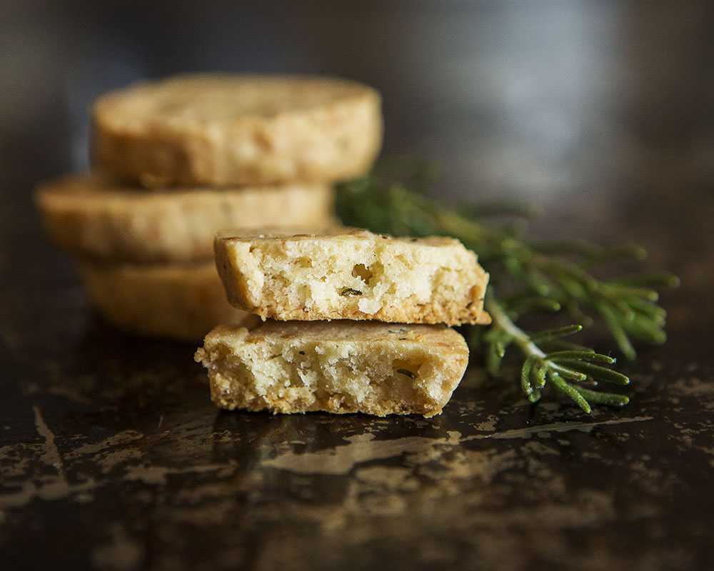 rosemary_parmesan_savory_cookie_5692_4x5